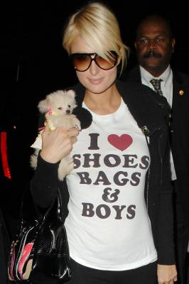b2ap3_thumbnail_Paris-Hilton-cool-t-shirt.jpg