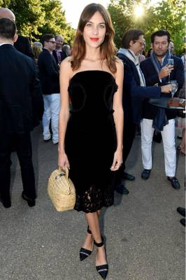 b2ap3_thumbnail_alexa-chung-serpentine-summer-party-2014-vogue-2july14-rex_592x888.jpg